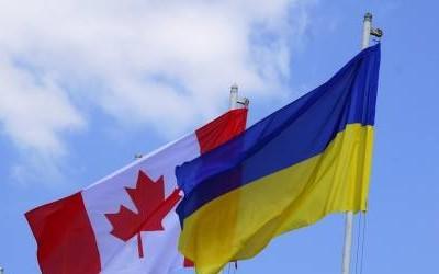 Порошенко поговорив з прем'єром Канади про безвізовий режим