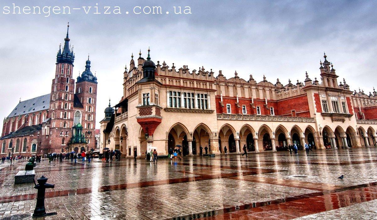 Скільки заробляють українці в Польщі?
