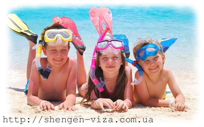 Діти за кордоном. Що потрібно знати батькам?