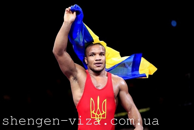 Украинскому олимпийцу не открыли Шенген визу