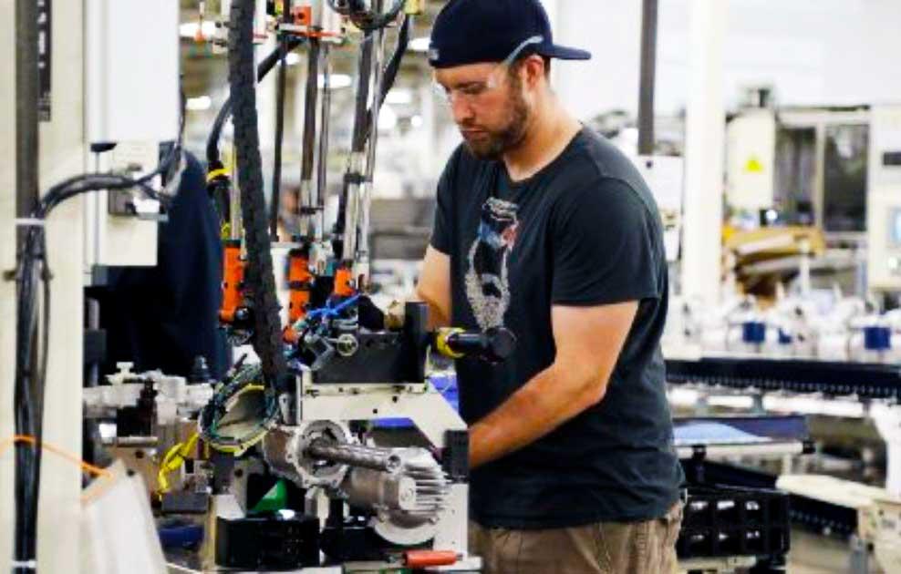 Робота на виробництві автозапчастин в Польщі