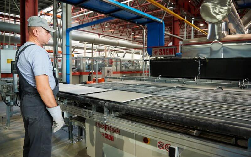 Работа в Польше 2019. Изготовление керамической плитки