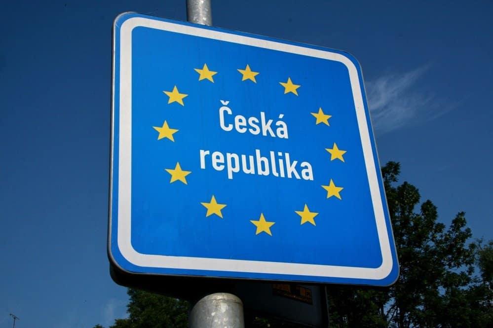 Робота за кордоном Чехія, завод по виготовленню насадок для швабр