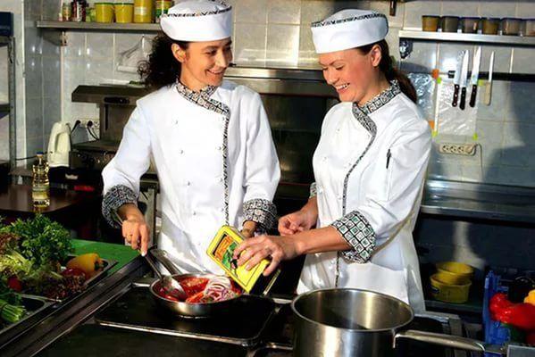 Работа в Польше для женщин на лето, помощники на кухню