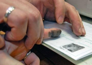 Для открытия шенгенской визы Украинцы обязаны подавать отпечатки пальцев